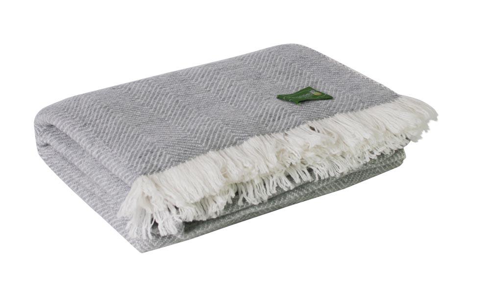 plaid confort cachemire et laine r versible chevrons gris ivoire. Black Bedroom Furniture Sets. Home Design Ideas