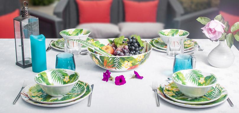 service vaisselle mélamine aux motifs fleurs | art de la table