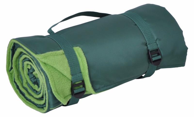 plaid pique nique excursion en tissu polaire de couleur vert. Black Bedroom Furniture Sets. Home Design Ideas