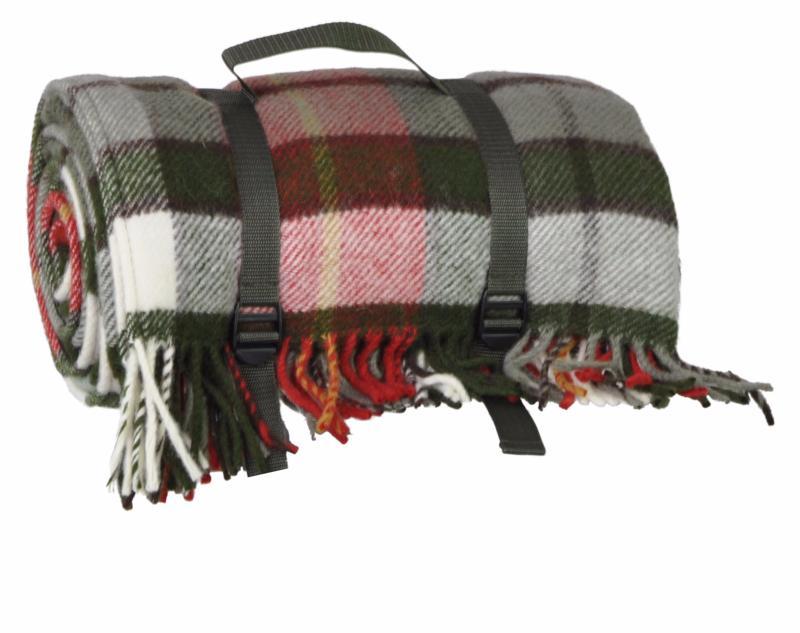 grand plaid en laine imperm able voyage ecossais gris et rouge. Black Bedroom Furniture Sets. Home Design Ideas